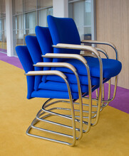 Stackable Chairs. Office Furni...