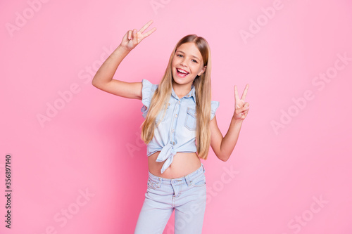 Obraz Portrait of her she nice attractive pretty lovely glad cheerful cheery preteen girl showing double v-sign having fun party enjoying isolated over pink pastel color background - fototapety do salonu