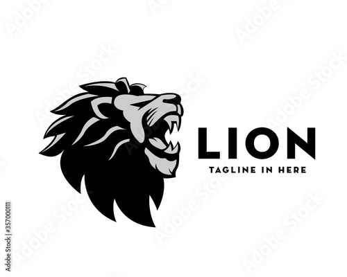 Cuadros en Lienzo Elegance black white roaring head lion logo design illustration