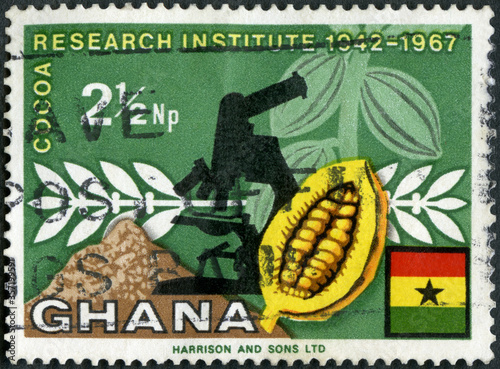 Papel de parede GHANA - 1968: shows Cacao Beans and Microscope, publicize cocoa production, 1968