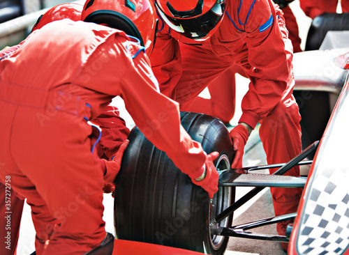 Stampa su Tela Racing team working at pit stop