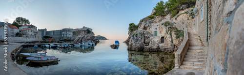 Cuadros en Lienzo Pile Bay near Dubrovnik old town (Blackwater Bay, Kings landing, Game of Thrones