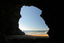 Cueva Junto Al Mar. Parque Reg...