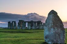 Stonehenge At Sunset In UK- Wa...
