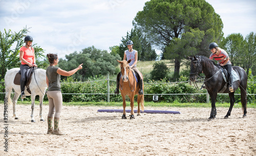 Foto riding girl and horse