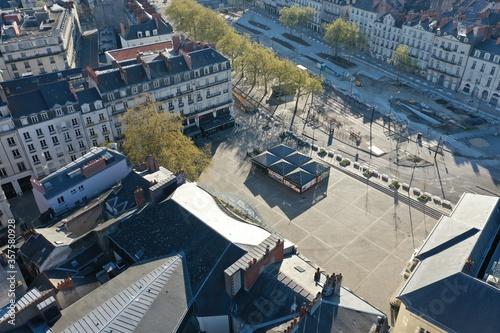 Photo Place du commerce, cinéma à Nantes