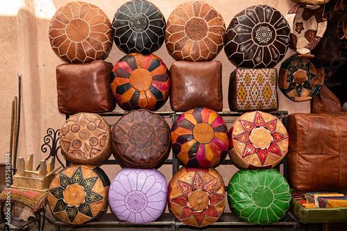 Photo Venta de puf de cuero en Marruecos.