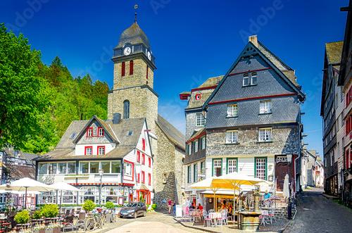 Obraz Altstadt von Monschau im Rurtal, Eifel, Nordrhein-Westfalen, Deutschland - fototapety do salonu