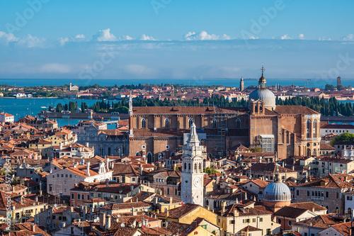 Obraz Historische Gebäude in der Altstadt von Venedig in Italien - fototapety do salonu