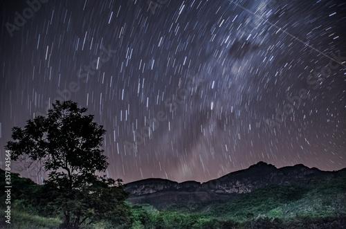 Photo Paisagens Noturnas das montanhas mineiras.