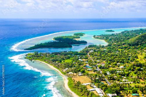 Fototapeta Rarotonga breathtaking stunning views from a plane of beautiful beaches, white s