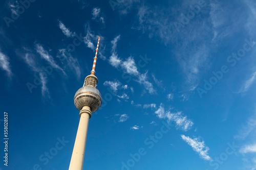 Photo Berlin, Germany - 17th August 2018: The Fernsehturm TV Tower near Alexanderplatz