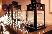 Decorative Lamps With Christma...