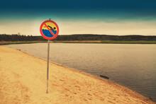 Zakaz Kąpieli Nad Jeziorem
