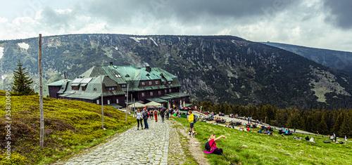 Fototapeta Mountain shelter - Strzecha Akademicka in Karkonosze Karpacz obraz