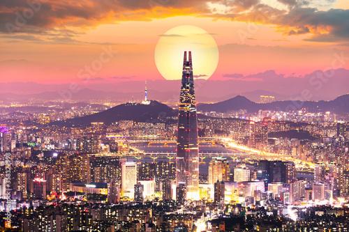 Photo Sunset of Seoul City and Seoul Tower South Korea
