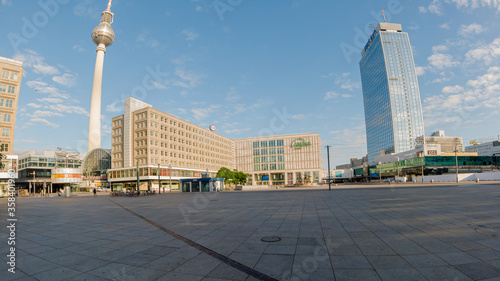 Photo The famous Berlin Alexanderplatz with its famous sights.