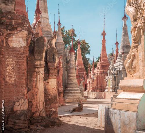 Obraz na plátně pagodas in myanmar