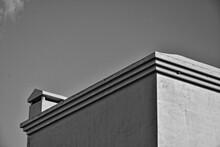 Contrasting Architectural Deta...