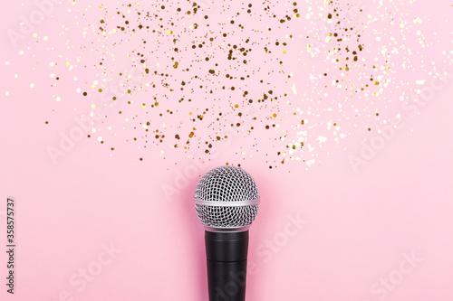 ASMR, karaoke, singing, recording concept Fototapete