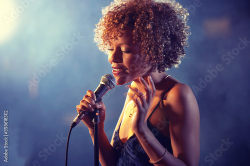 Fotografie, Tablou Black female Singer Performing on stage