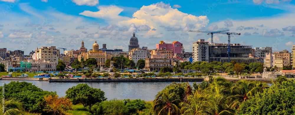 Fototapeta Panoramic view of Havana, the capital of Cuba