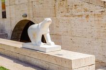 It's Modern Art Statue Of A Po...