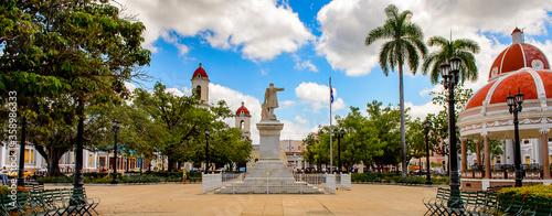 Obraz Marti Park of Cienfuegos, Cuba. - fototapety do salonu