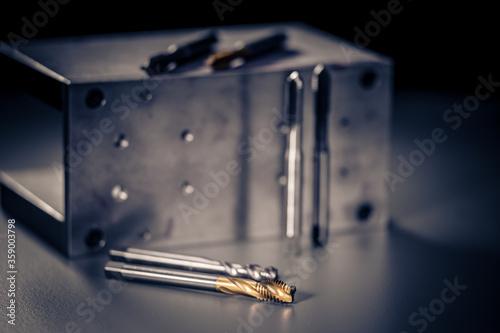 Photo Gewindebohrer, Gewindeschneider, Gewinde, Gewindewerkzeug, Werkzeug, Metall, Boh