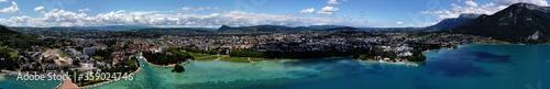 Fotografía Annecy depuis 150m au-dessus du lac, Haute-Savoie, France