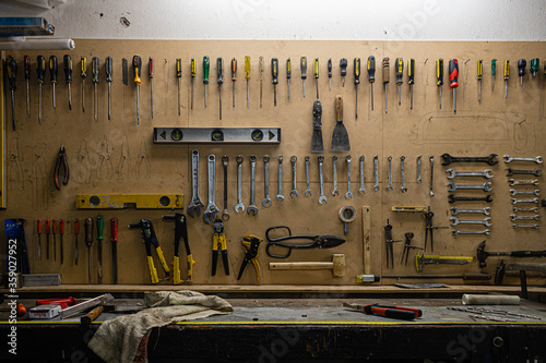 Photo tablero de herramientas de industria metalurgica