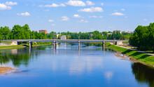 It's Bridge Over The River Und...
