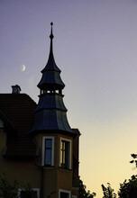 Wieżyczka Na Sopockim Budynku