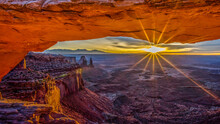 Mesa Arch In Canyonlands Natio...