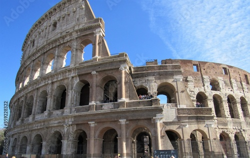 Fotografia, Obraz View of the exterior of the Colosseum, or Flavian Amphitheater, in Rome, Italy o