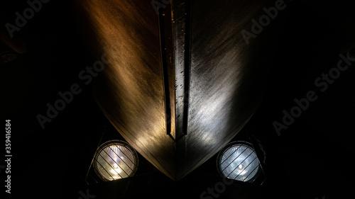 Photo Dos luces de diferente temperatura de color alumbrando una pared