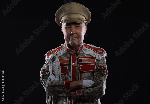 Foto portrait of an old general