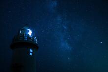 灯台と星空2