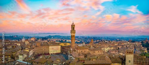 Siena cityscape at sunset. Fototapete