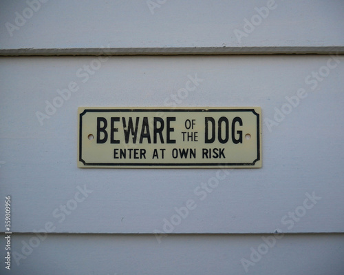 Photo Beware of the dog sign.