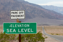 Elevation Sea Level Sign In De...