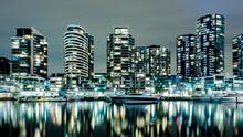 Melbourne Dockland Apartments ...