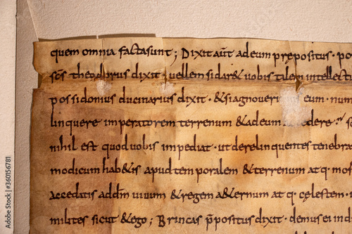 Photo Anglo-saxon leaf showing script by scribe Cundpato from the C8th or C9th written on parchment