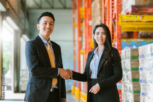 Valokuva successful business dealing agreement handshake of asian businessman and woman h