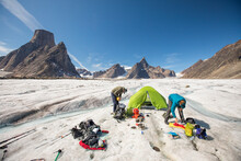 Mountaineers Pack Up In Prepar...