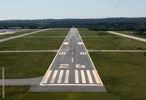 Valokuva Runway approach at a small rural airport in the eastern United States