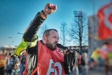 Manifestant Gilet Jaune, Syndi...