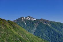 天神尾根から見た西黒尾根と白毛門、朝日岳