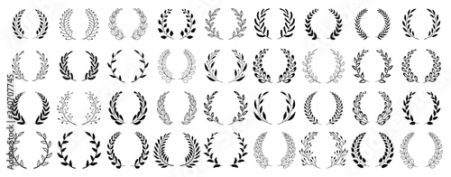Fototapeta Set of black circular foliate laurels branches. Vintage laurel wreaths collection. Hand drawn vector laurel leaves decorative elements. Leaves, swirls, ornate, award, icon. Vector illustration. obraz