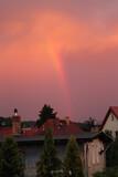 Fototapeta Tęcza - krajobraz  nieba  po  burzy  nad  miastem